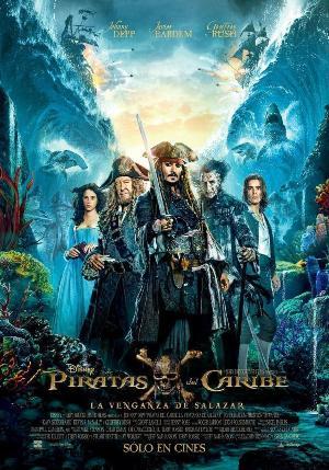Piratas del Caribe: La venganza de Salazar - cartel de cine
